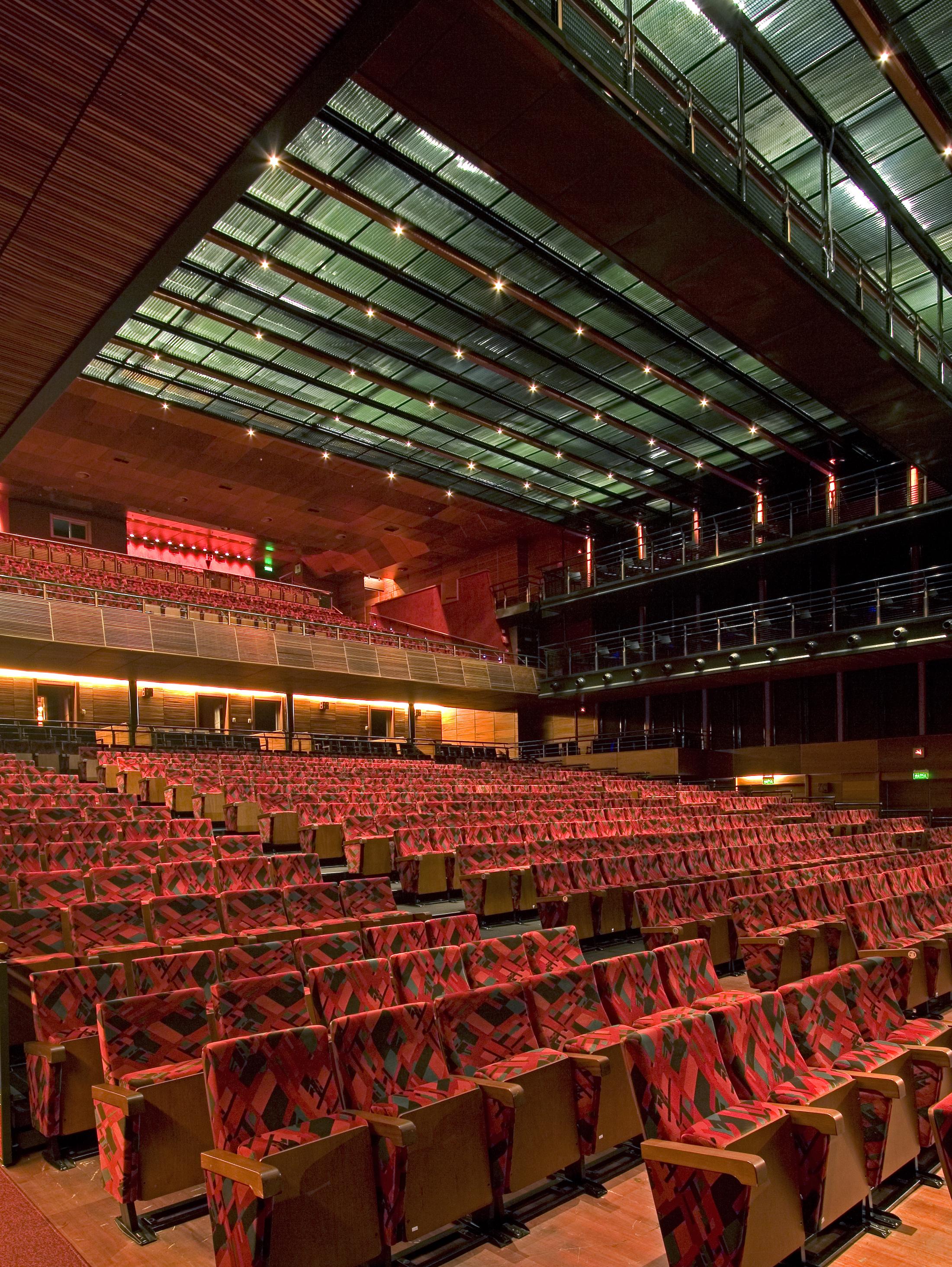 Teatro do Bourbon Country Slide 01