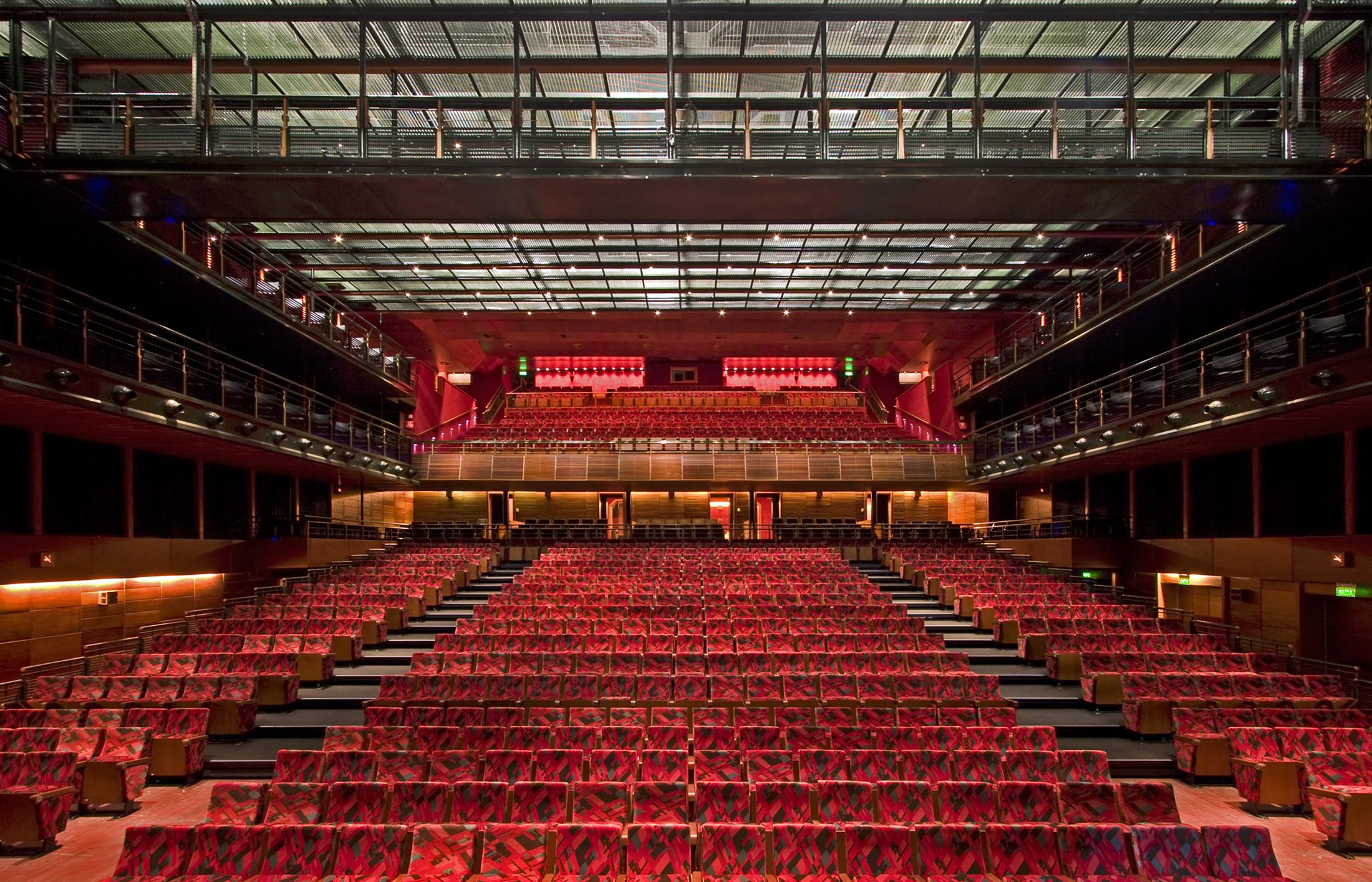 Teatro do Bourbon Country Slide 06