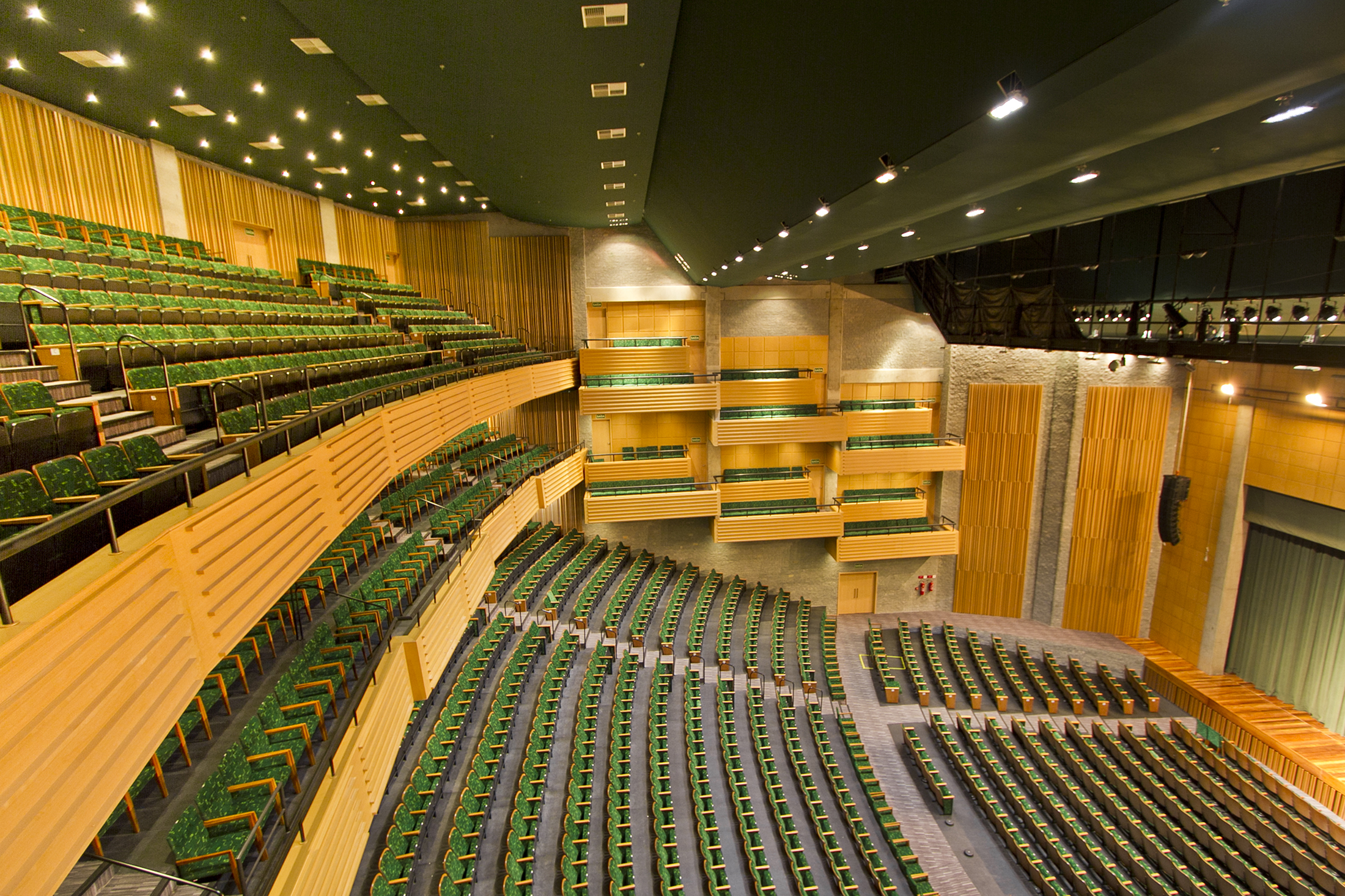 Teatro Feevale Slide 02