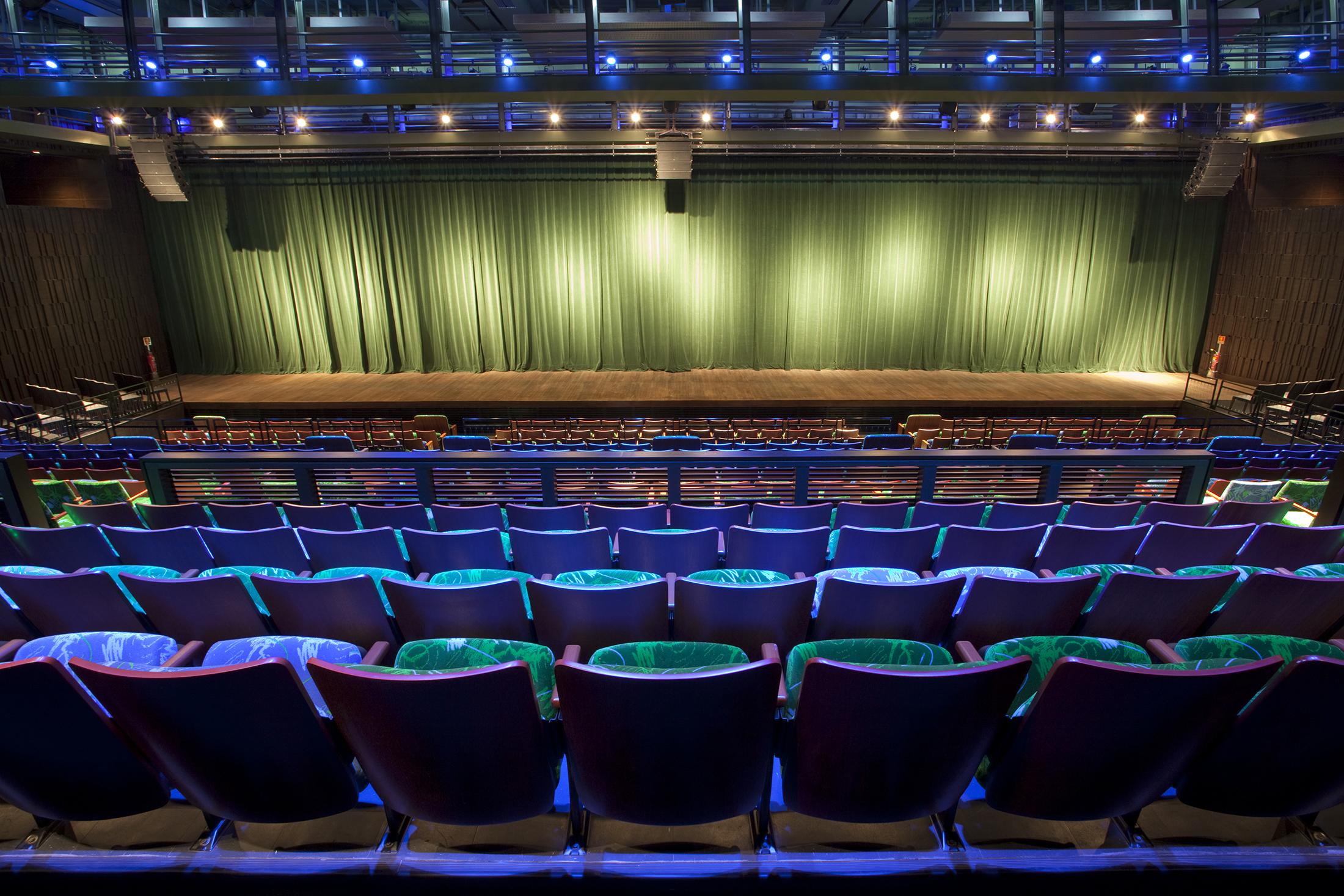 Teatro Riachuelo Slide 02