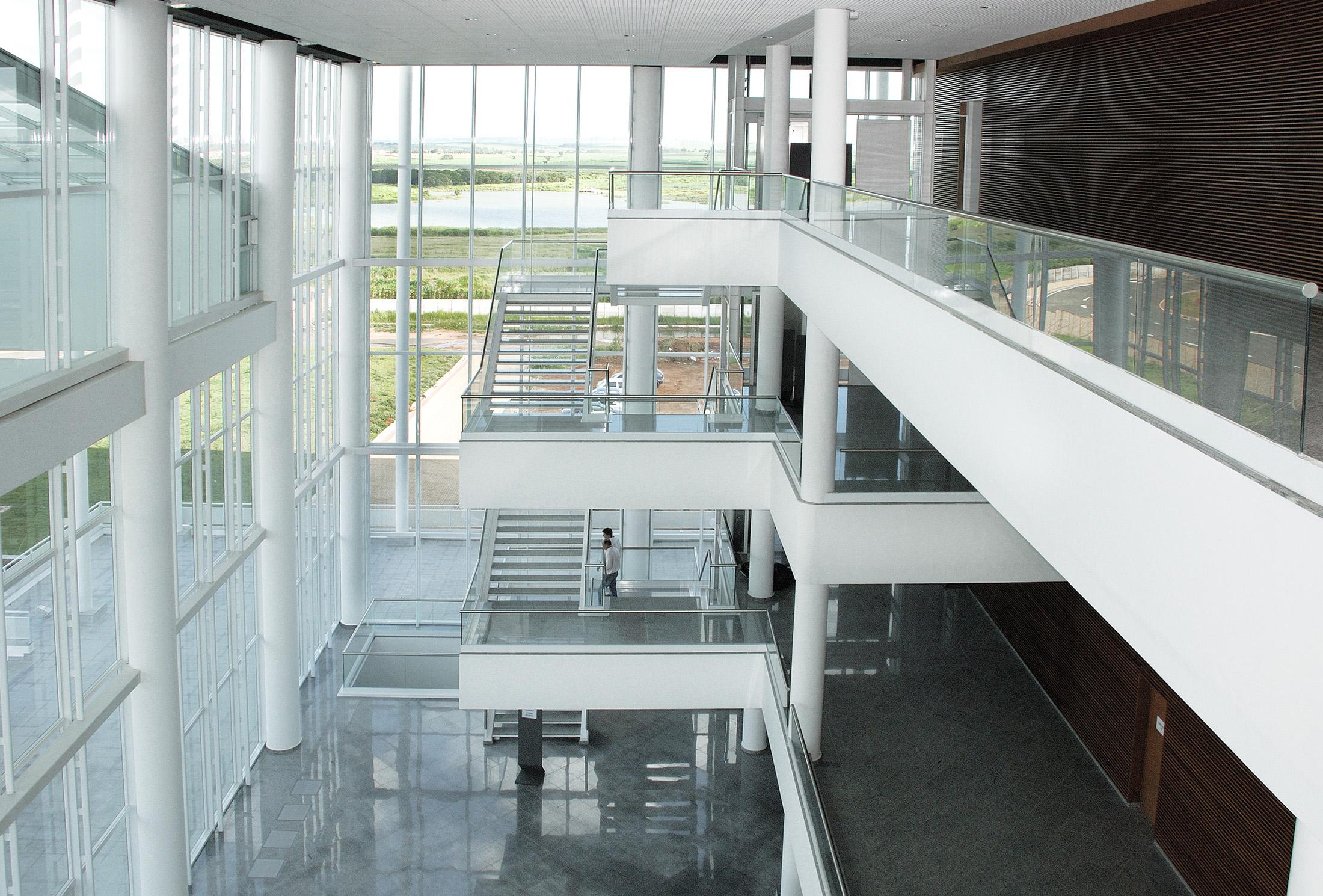 Theatro Municipal de Paulínia Slide 01